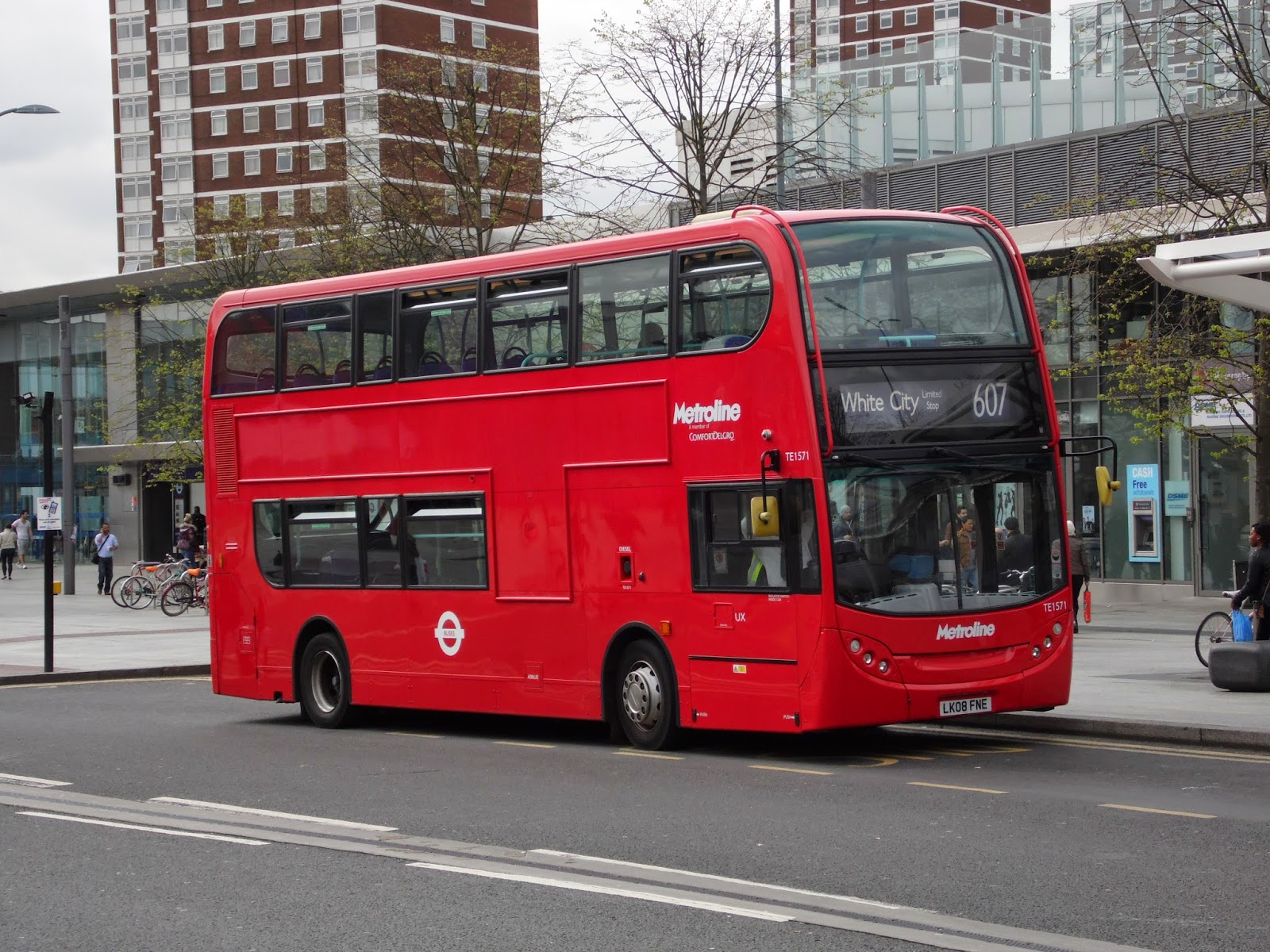 The circle of london picture of the week w b for Time table bus 99