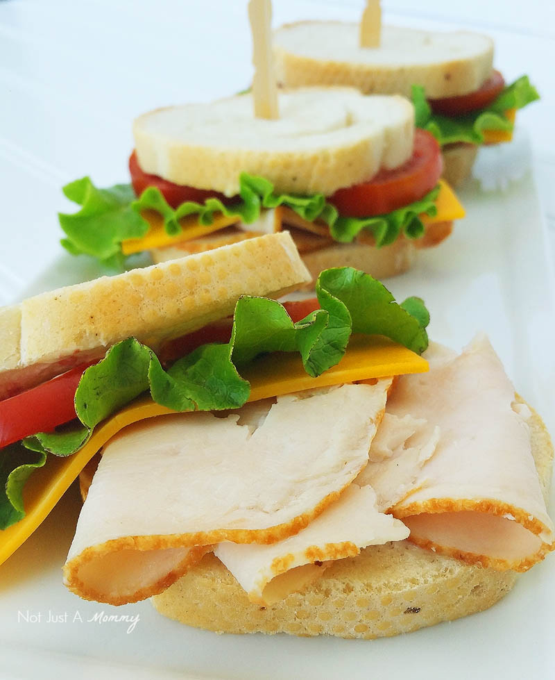 Make Lunch Easy With Foster Farms; mini sandwiches