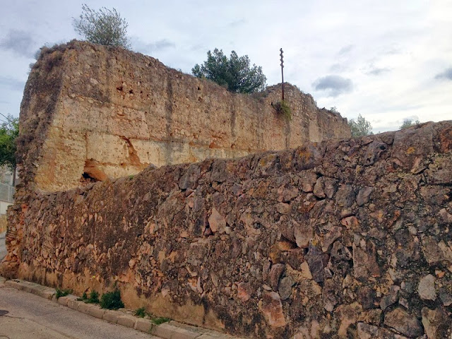 Muralles del Rafalí, la Font d'En Carròs