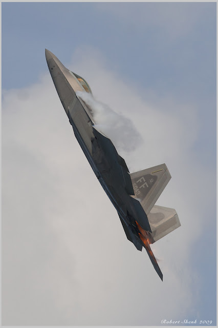 f-22 afterburner vertical climbing