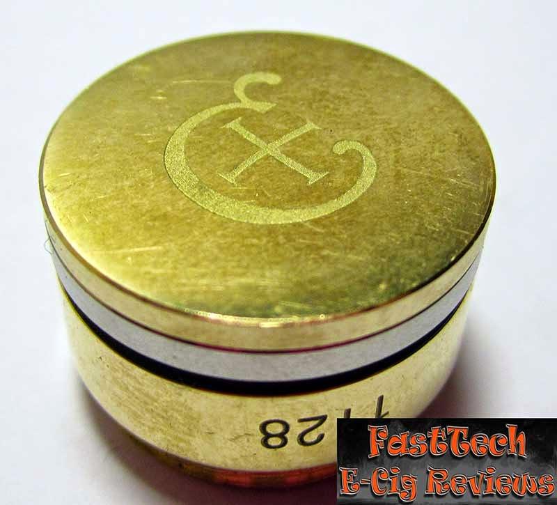 Caravela clone button engrave