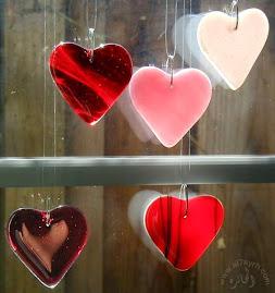 "Dr. Yusof al-Qardhawi berkata: ""Cinta akan mencari manusia. Tetapi manusia jangan mencari cinta."""