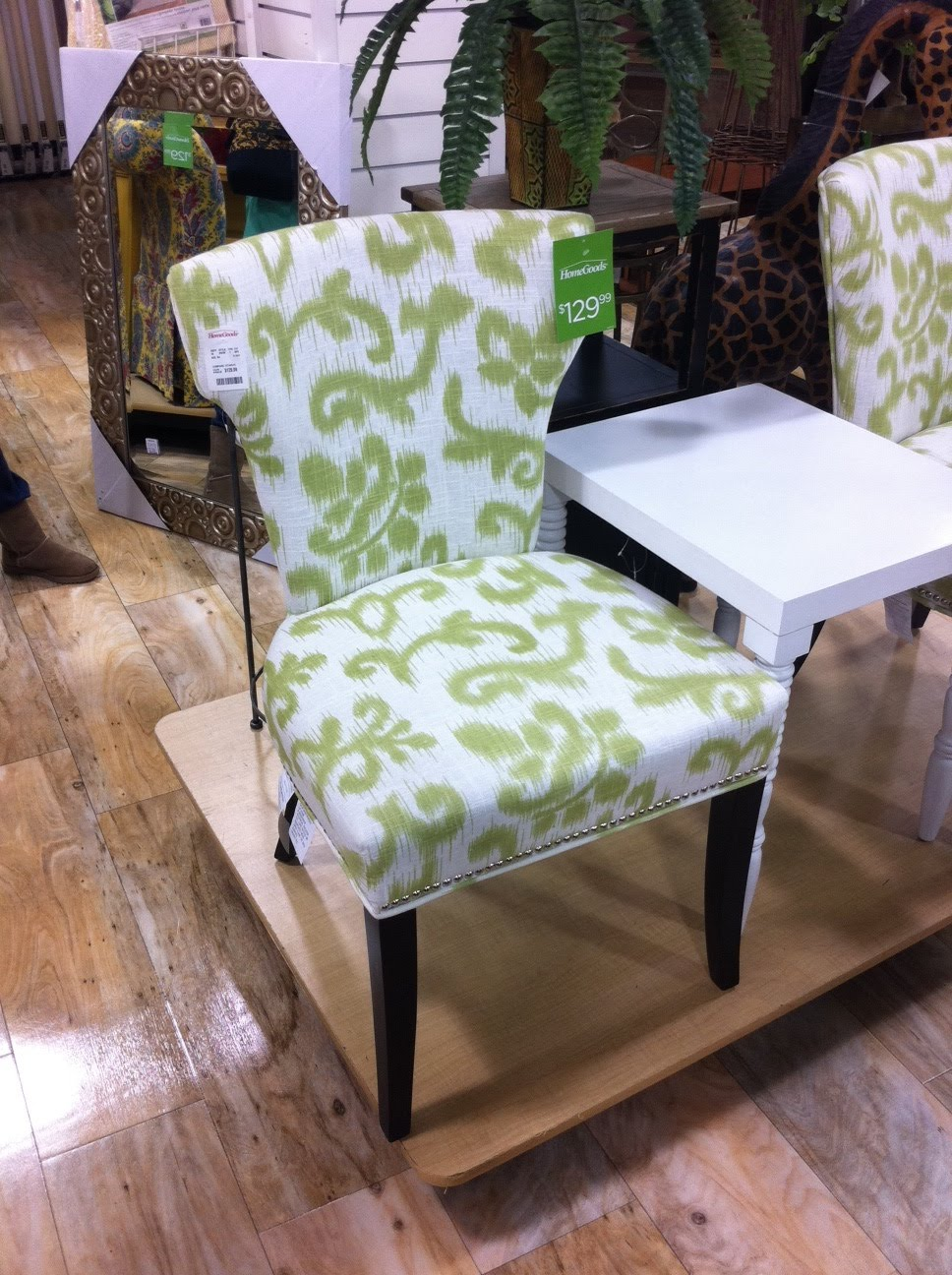alamode The dining chair Weekend Finds