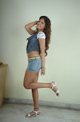 Komal Jha trendy Photo shoot Gallery-thumbnail-18