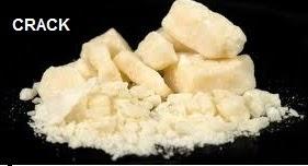 El crack se fuma de forma similar al paco, solo o mezclado con tabaco. Una vez aspirado el humo, los efectos aparecen a los pocos segundos, son diez veces más intensos que los producidos por la cocaína y se mantienen durante 5-20 minutos