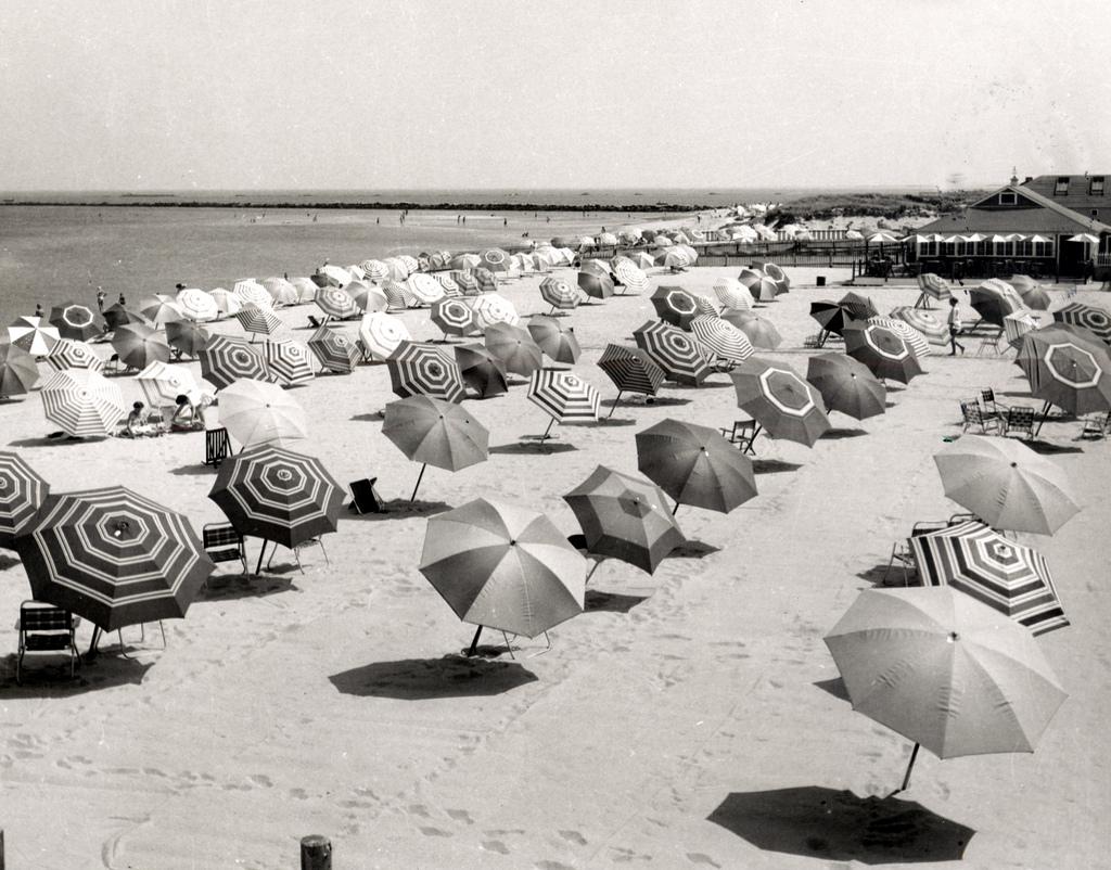 Girls in Bikini on the Beaches of California in 1970