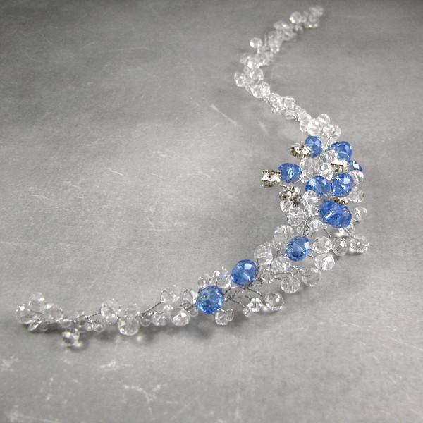 Ślubna ozdoba do włosów z błękitnymi kryształkami