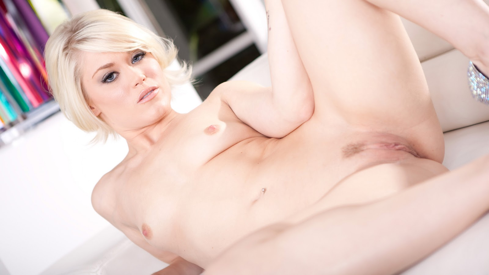 Ash hollywood blonde nude naked boobs pussy model