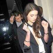 Harry Styles sale con una chica! Se llama Millie Brady.