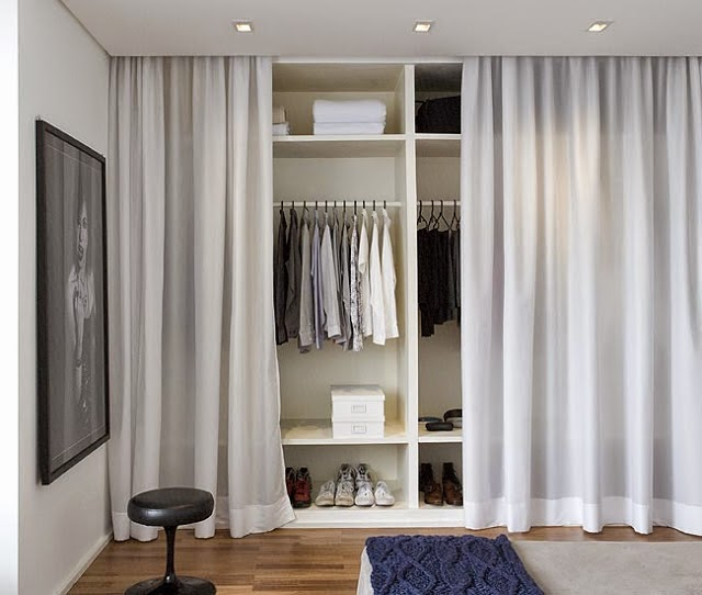 blog de decora o arquitrecos cortinas nas portas de. Black Bedroom Furniture Sets. Home Design Ideas