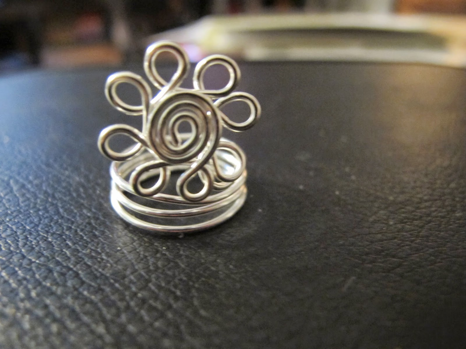 Naomi\'s Designs: Handmade Wire Jewelry: Silver wire wrapped spiral ...