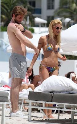 Hot Bikini Models