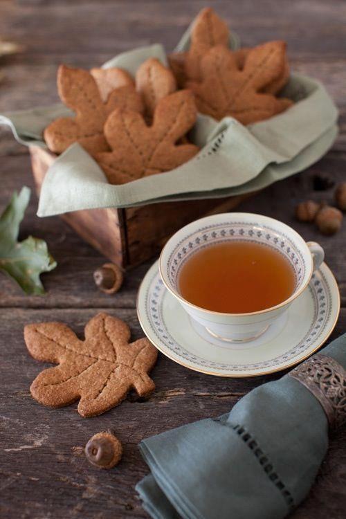 Tea and Leaf Cookies