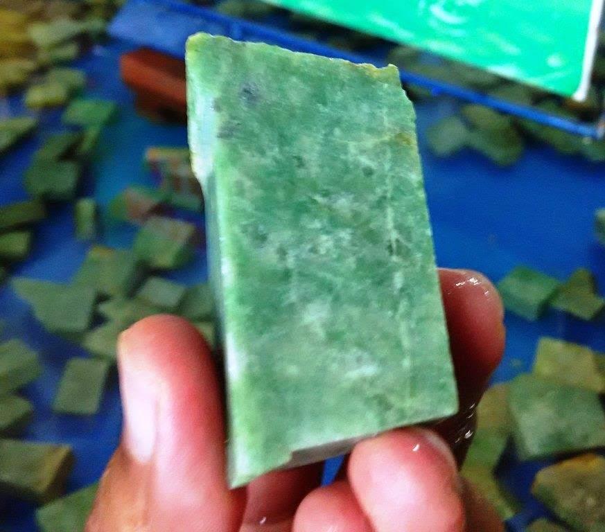 bahan Batu Giok Aceh idocrase