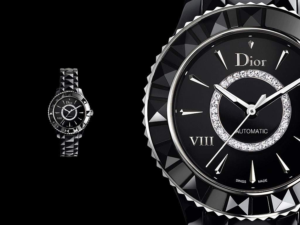 http://4.bp.blogspot.com/-LHEGqeSkxa4/TetA-UpPPLI/AAAAAAAAFjk/maiHAyY8B0A/s1600/Charlize-Theron-for-Dior-VIII-DESIGNSCENE-net-02.jpg
