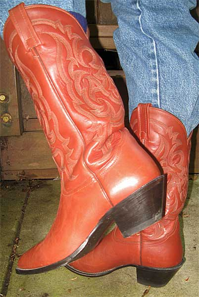 Most Common Cowboy Boot Heel Style | BHD's Musings