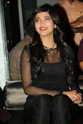 Shruti Haasan at Yevadu App Launch event-thumbnail-16