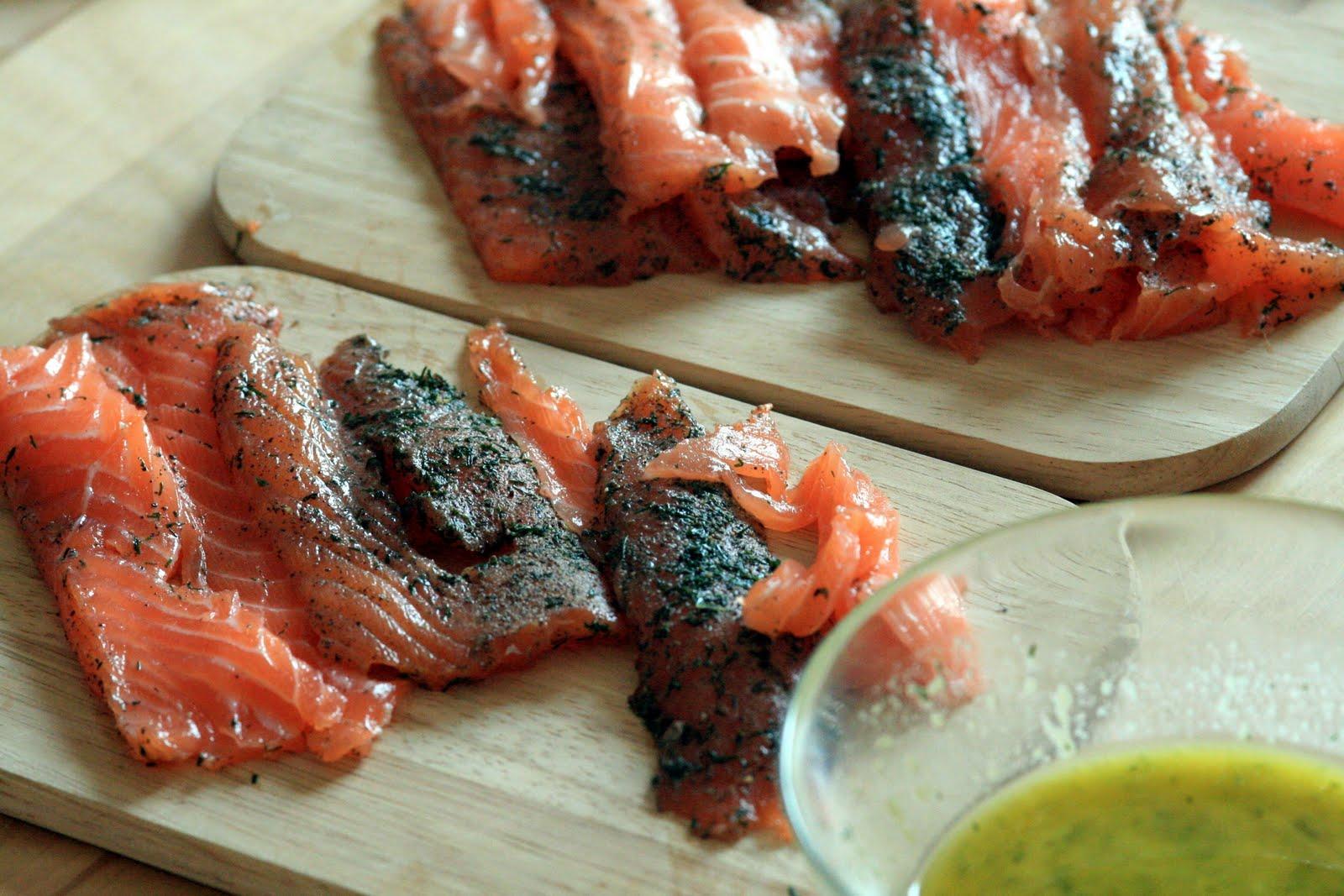 vin de pissenlit le plat de poisson su dois saumon gravlax. Black Bedroom Furniture Sets. Home Design Ideas