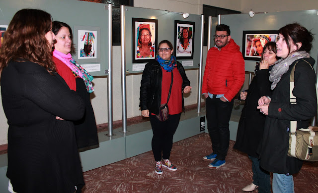 Público na abertura da exposição fotográfica no Centro Cultural Almafuerte - Córdoba - Argentina