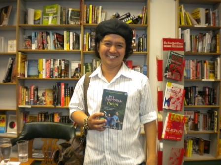 Andrea Hirata, Biografi, novelis, penulis