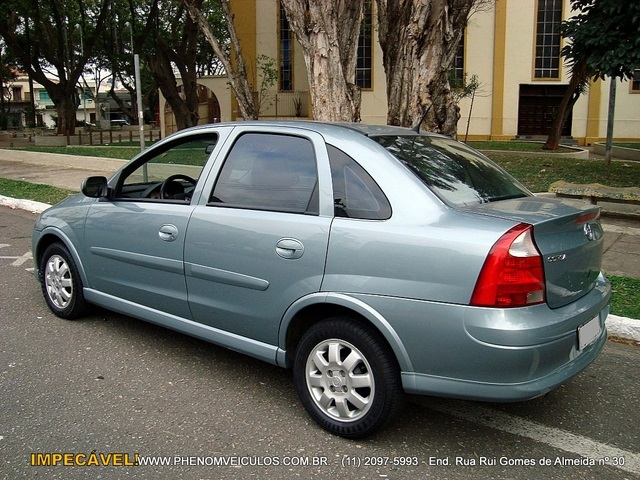 Vendo Chevrolet Corsa Sedan 2003 - Cinza