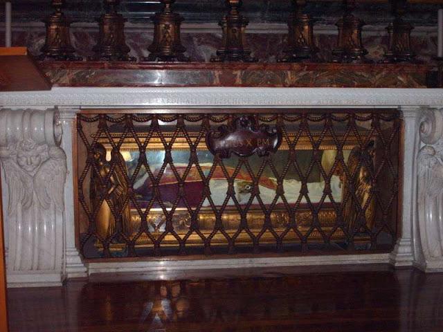 tomb_of_pope_pius_x