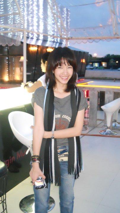 Medium Hair Styles_Mo Monchanok