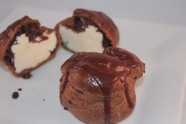 Chocolate cream puffs