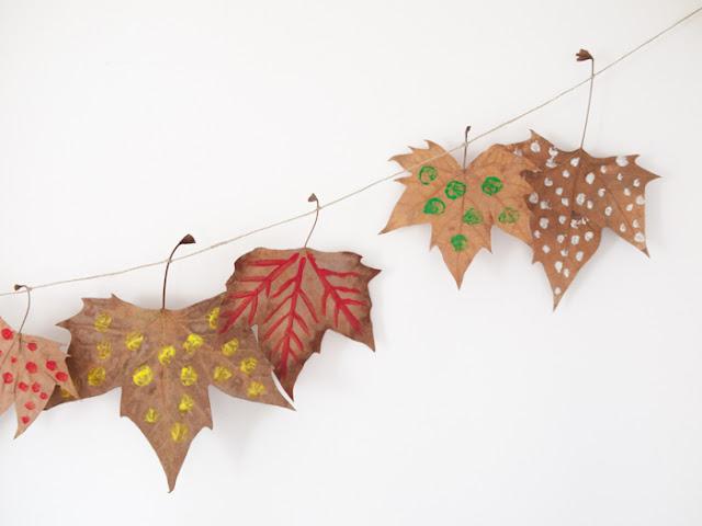 guirnalda de hojas secas