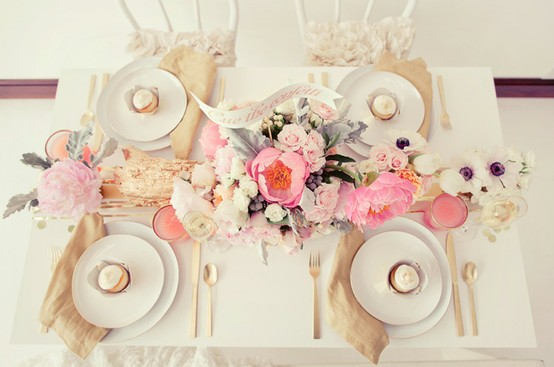 Gingersnaps pretty girly things dining - Manteles shabby chic ...