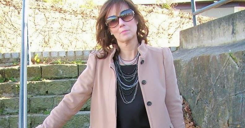 Br jula de estilo mis looks falda joya negra - Brujula de estilo ...