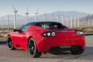 Tesla Roadster, rossa, tre quarti posteriore