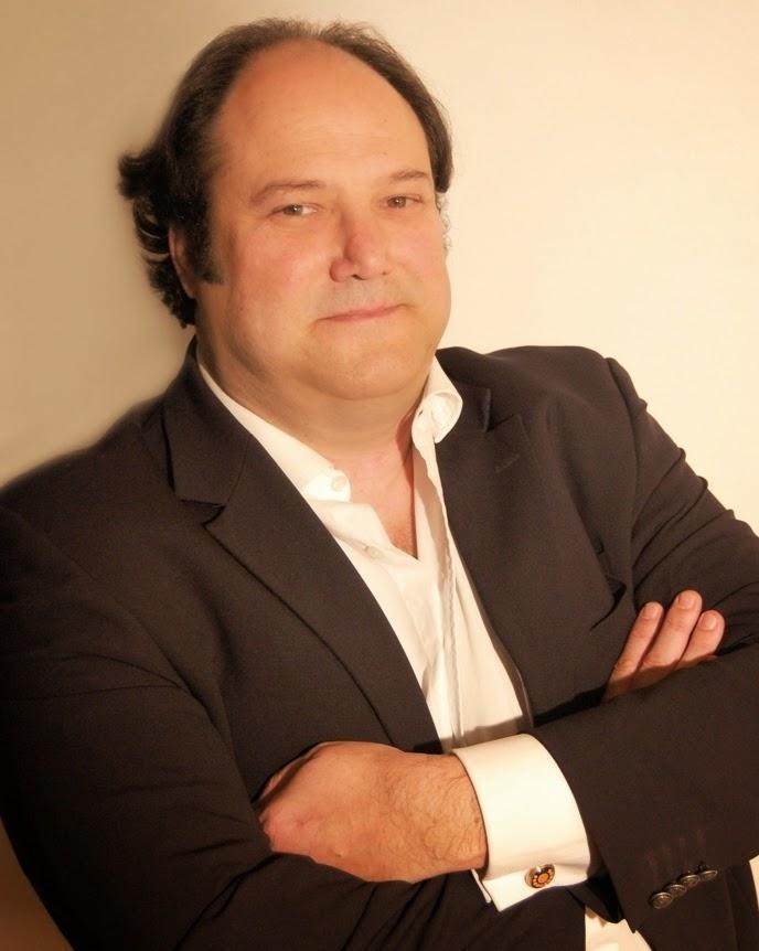 Martínez Burket, Pablo