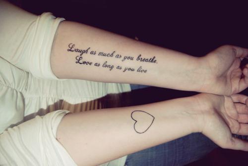 """Ria tanto quanto você respira. Ame enquanto você viver"""""""