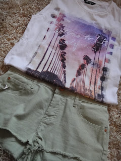 LA Tshirt, Green Shorts, Festival Shorts, River Island Shorts