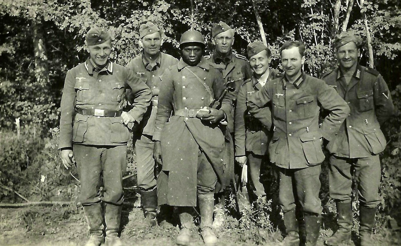 Ultimate Collection Of Rare Historical Photos. A Big Piece Of History (200 Pictures) - Germans posing