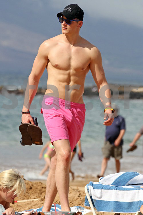 Alexander Ludwig ~ FEET Always Andrew Garfield Gay
