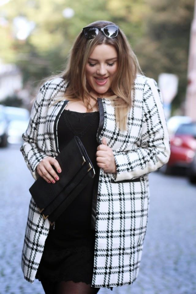 Plus Size Outfit Mantel Spitzenkleid