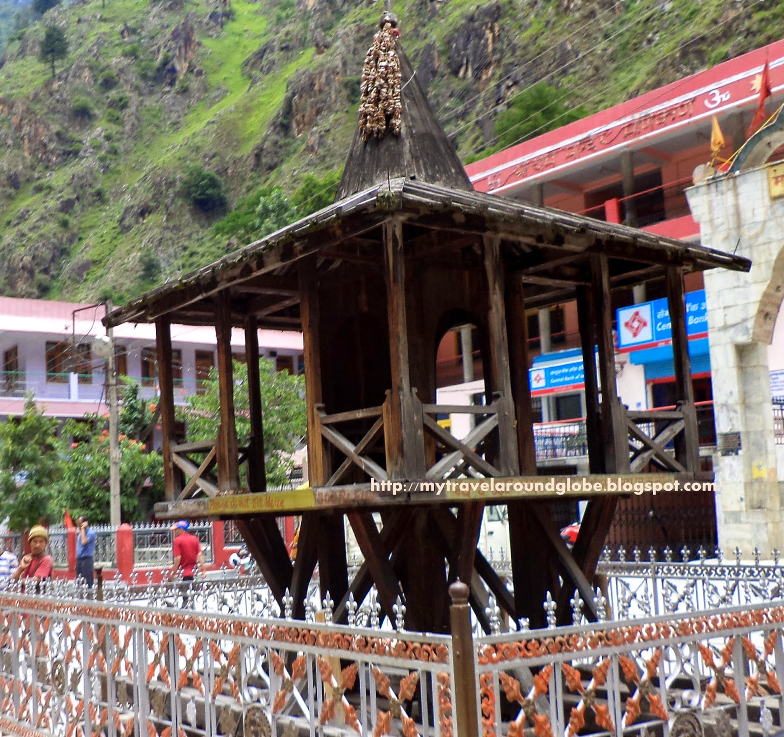 Ghoomnatraveling a visit to manikaran a meeting with the lords ram rathchariot at shri ram temple manikaran kullu thecheapjerseys Gallery