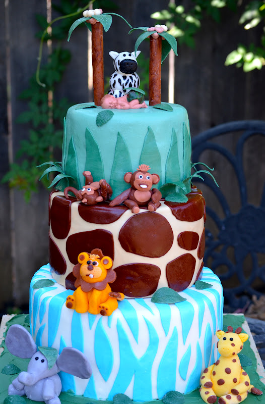 traylor made treats round safari baby shower cake