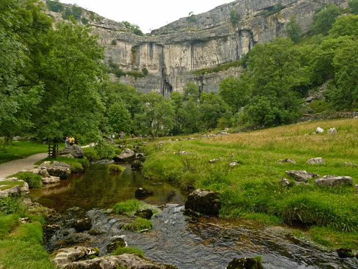 Malham Cove, glacial valley, Dales National Park