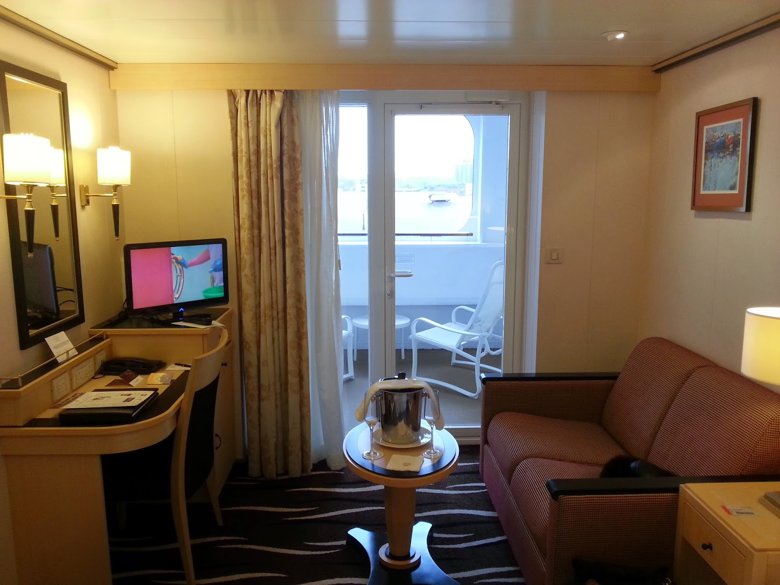Queen Mary 2 (QM2) - Sheltered Balcony Cabin