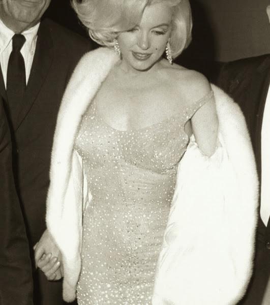un blog a mi manera...: Los vestidos más caros del mundo.