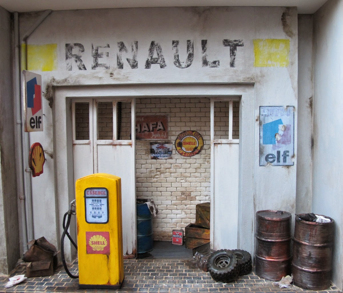 Miniatures ladan le garage renault for Garage renault maizieres les metz
