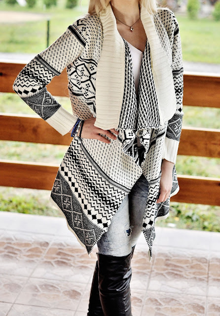 http://www.yoins.com/Geometric-Print-Long-Sleeve-Knitted-Cardigan-p-996293.html?%20utm_source%20=%20Blog%20&%20utm_medium%20=%2053778%20&%20utm_campaign%20=%20G560A04153740B%20&%20utm_content%20=%20chenjieling2