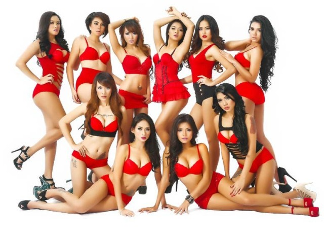 Download Koleksi Model Sexy MALE 100th Issue : Queen Lanny, Rhere, Devi Liu, Sendy Mamahit, Bee Viona, Maya Ningrum, Aurora Lessa, Anggie, Widya, Fadillah Zayn | www.insight-zone.com