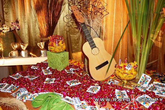 Decoracion para fiesta de 15 a os motivo rustico fino for Decoracion de pared para quinceanera