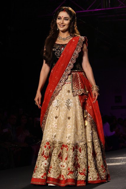 Delhi Couture Week 2012 Manish Malhotra Fashion Collection