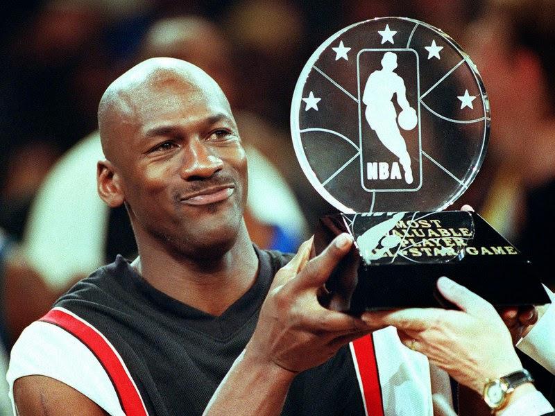 "<img src=""http://4.bp.blogspot.com/-LK6A45_UhJ4/U-UOGYD350I/AAAAAAAAAfM/f6ljC6qewsk/s1600/Michael_Jordan.jpg"" alt=""Richest Athletes in the World"" />"