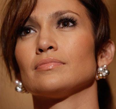 Jennifer Lopez Dangling Pearl Earrings